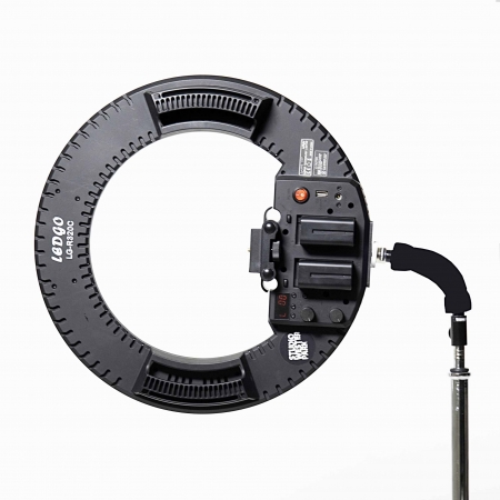 ringlight-ledgo-led-rental-cameralight-ring-westerparkstudio.jpg